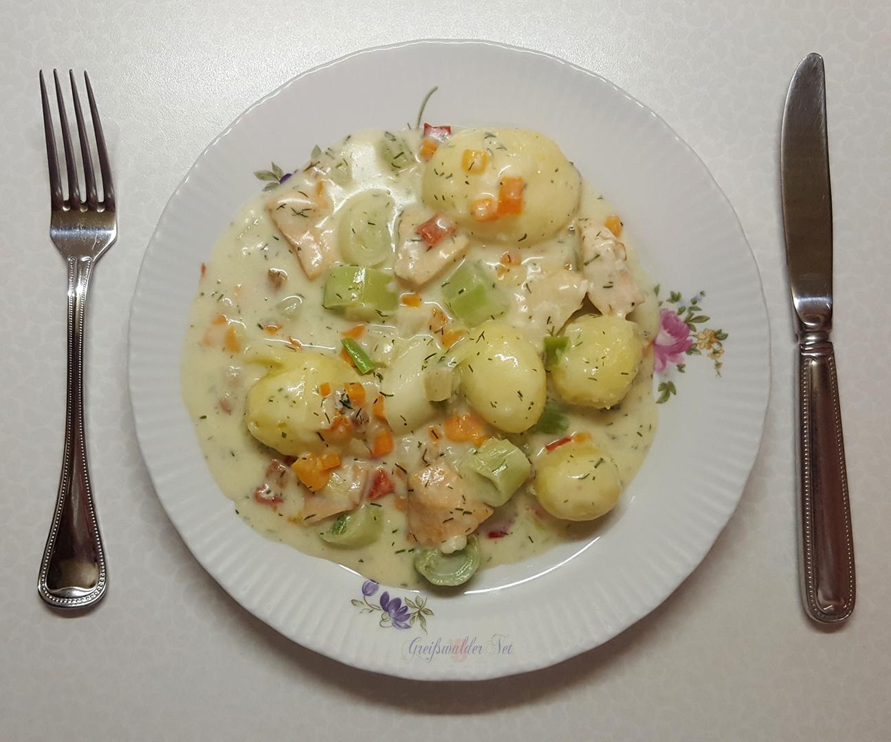 Wildlachs, Helgoländer Art, mit Kartoffeln und Gemüse