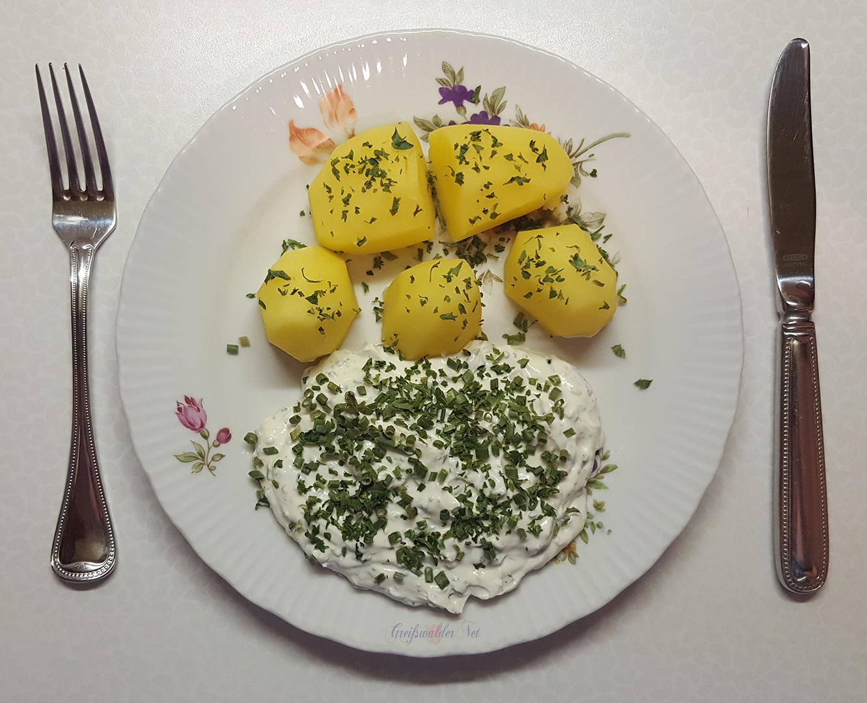 Petersilienkartoffeln mit Kräuterquark