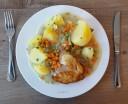 Cordon Bleu vom Hähnchen mit Gartengemüse und Salzkartoffeln