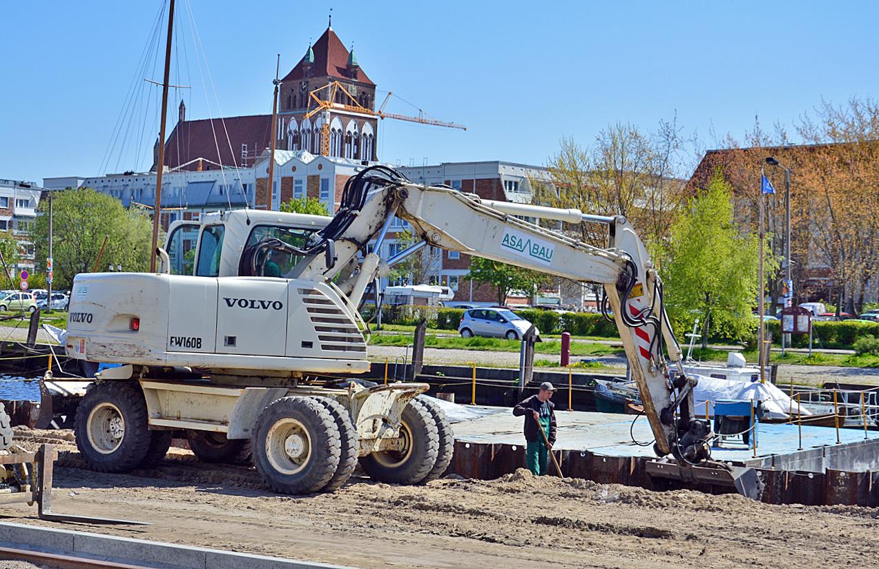 Bauarbeiten am Museumshafen in Greifswald