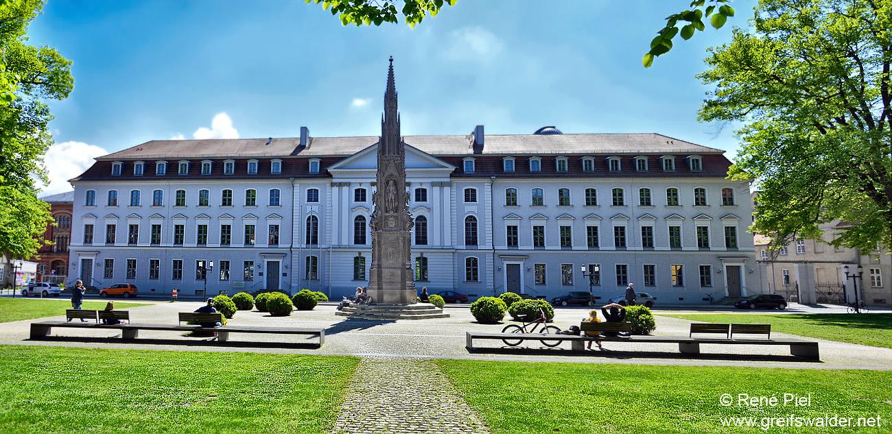 Am Rubenowplatz - Greifswald