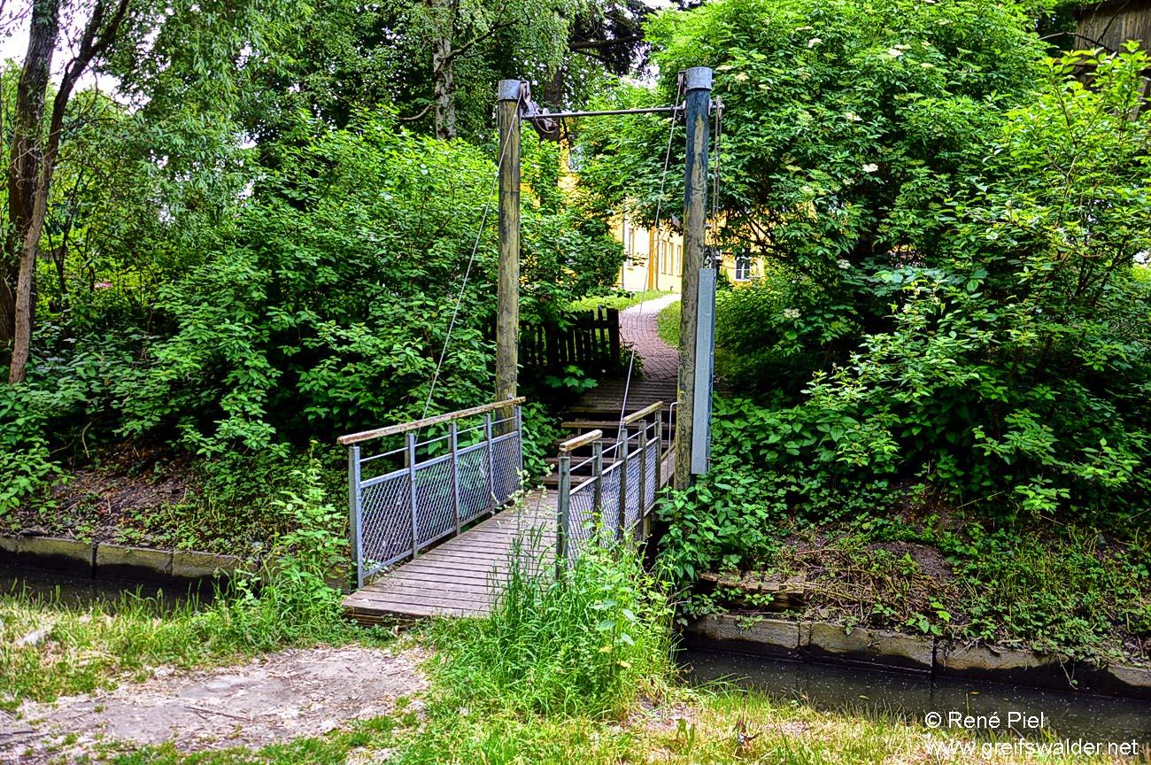 Kleine Brücke über den Stadtgraben in Greifswald