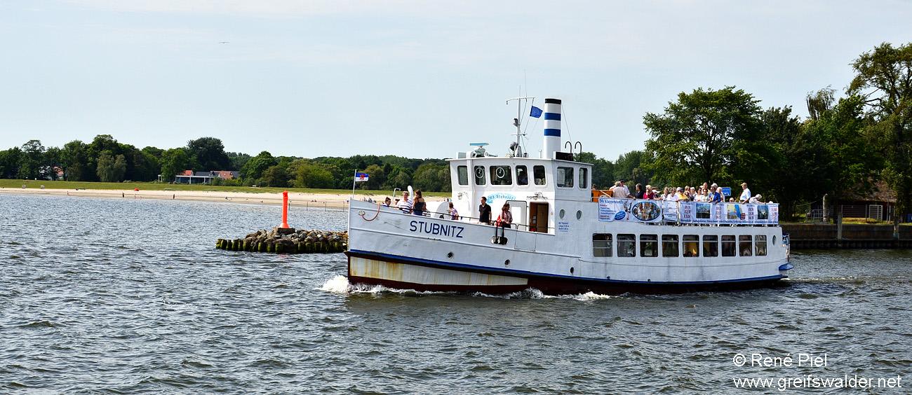Ausfahrt Fahrgastschiff MS Stubnitz