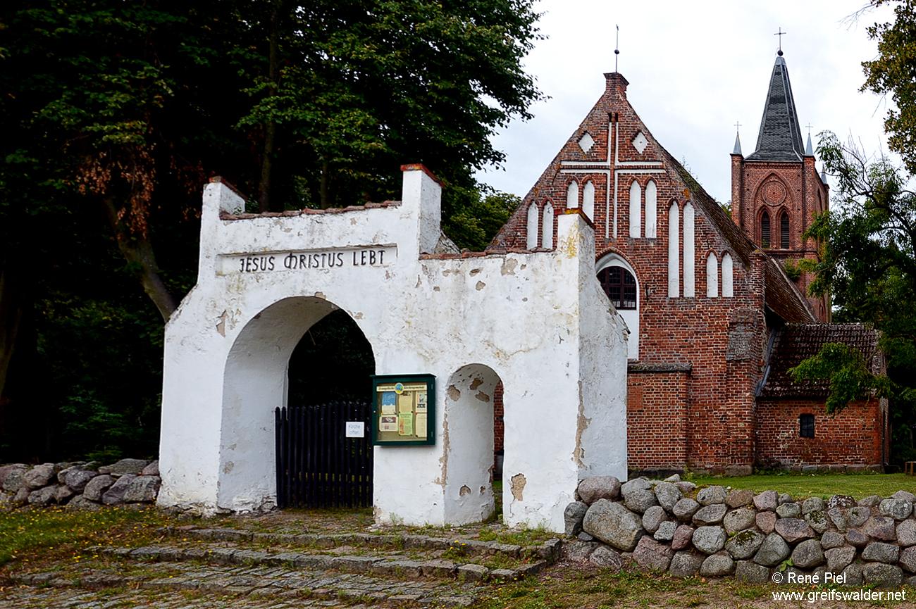Kirche in Kemnitz (bei Greifswald)
