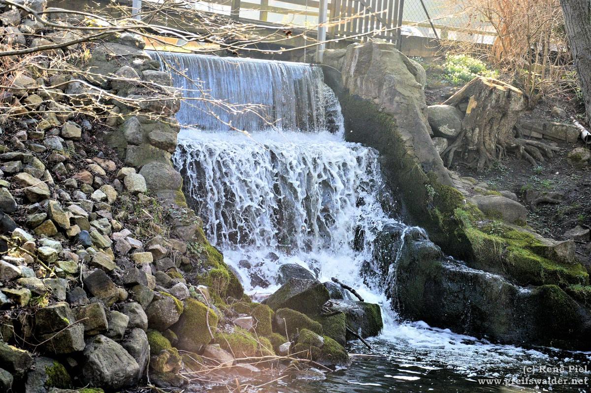 Wasserfall bei der Wassermühle in Hanshagen
